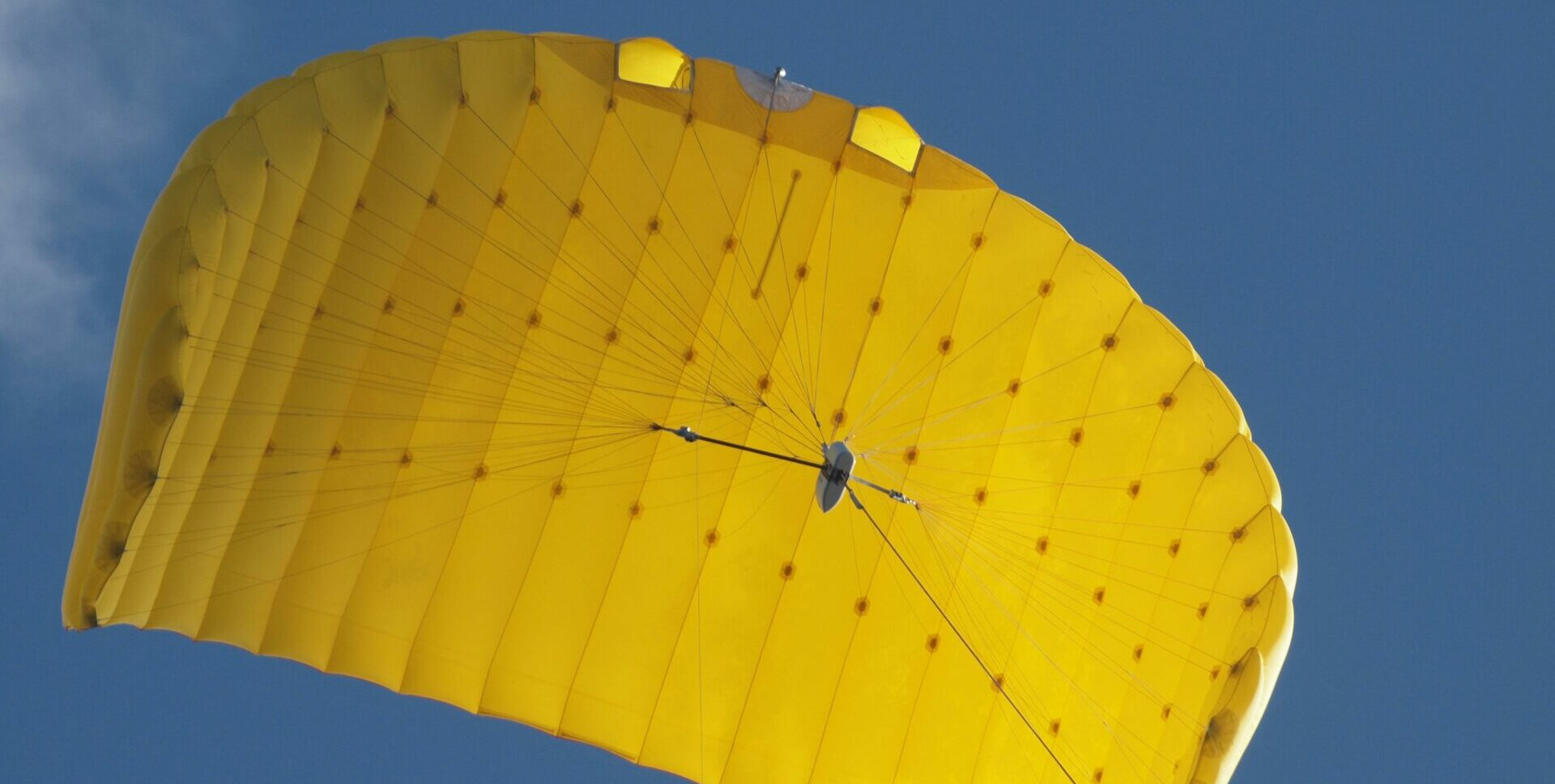 SkySails Group Kite made of yellow fabric in flight